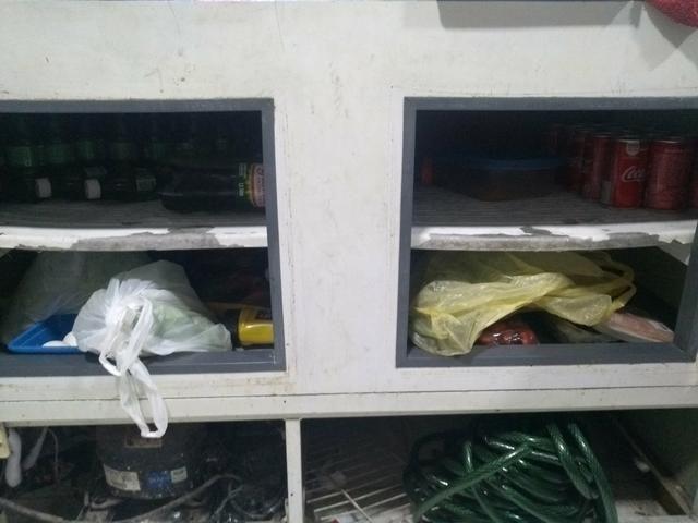 Vendo Freezer com Estufa aquecedora superior - Foto 2