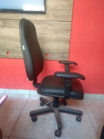 Vendo 01 cadeiras c/regulagem