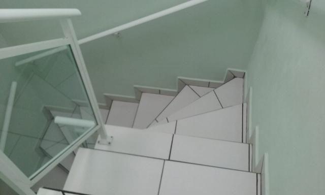 Lindo Sobrado com 3 quartos sendo um suíte Vendo/troco - Foto 14