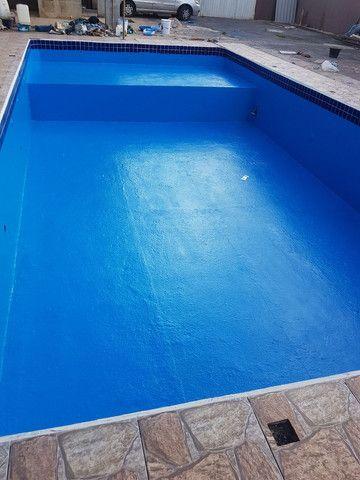 Restauração  e reforma  de piscina ovenaria fibra de vidro e azulejo  pedras - Foto 2