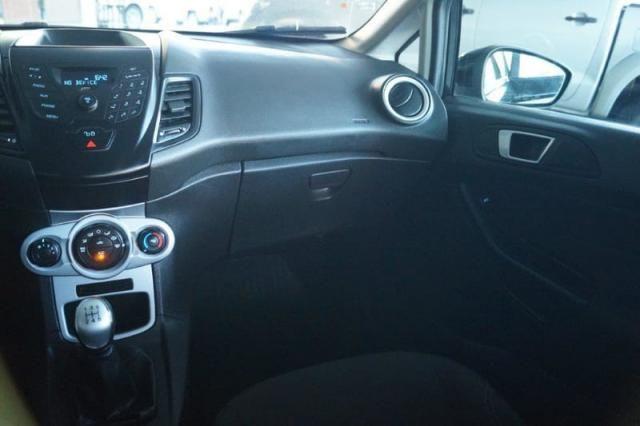 Fiesta 1.5 SE todo revisado pneus novos 2015 - Foto 12