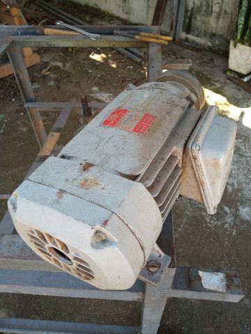 Motor elétrico 3cv trifásico - motoserra weg - Foto 4