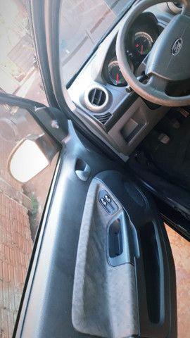 Vende ou troco Ford Festa Hatch 1.6 - Foto 2