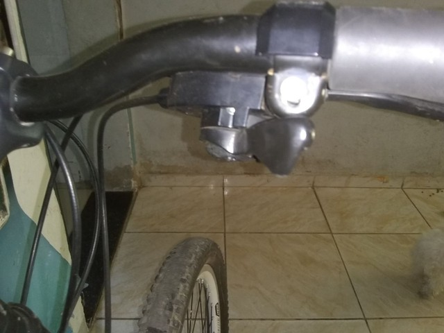 Bicicleta aro 26 freio a disco - Foto 3