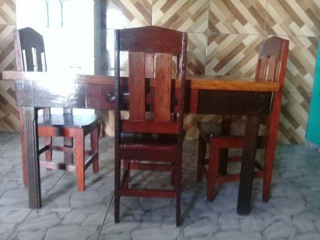 Mesa 0,82 X 1,48 com 4 cadeiras e gaveta  - Foto 6
