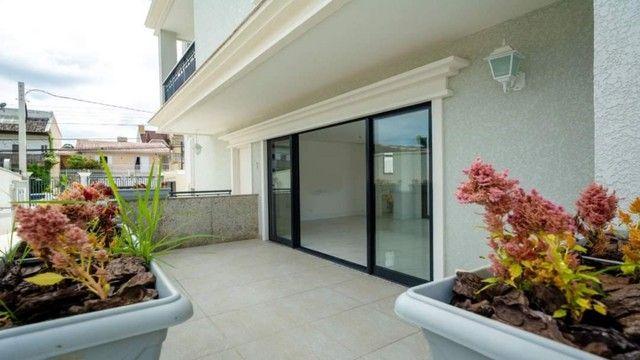 Oportunidade Lindo Sobrado  em condomínio com 3 dormitórios -  188m2 privativos + terraço - Foto 2