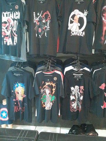 Camisas de anime, kpop e séries