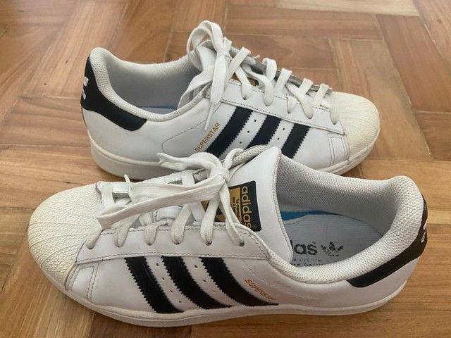 Adidas Superstar Unissex usado tamanho 36 - Foto 3