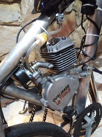 Bicicleta motorizada 80cc nova - Foto 4