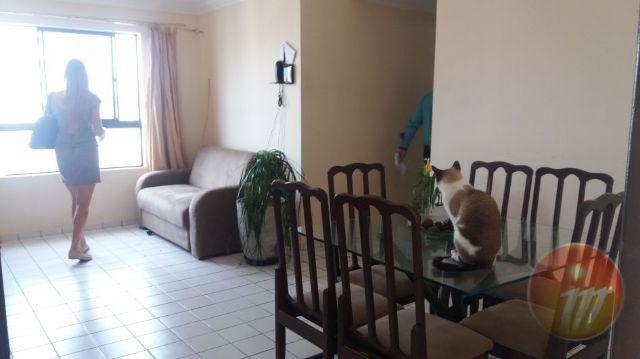 Ótimo apartamento com 3/4 (sendo 1/4 suíte) com 64,59 m2 na Ponta Verde