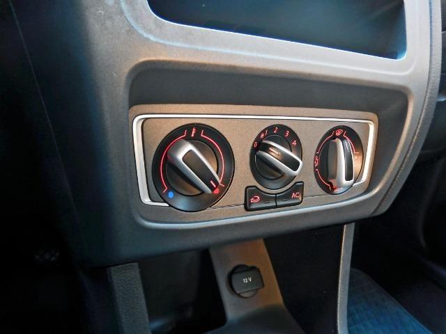 Vw - Volkswagen Fox 1.0 Trend Completo Apenas 40 mil km - Foto 6