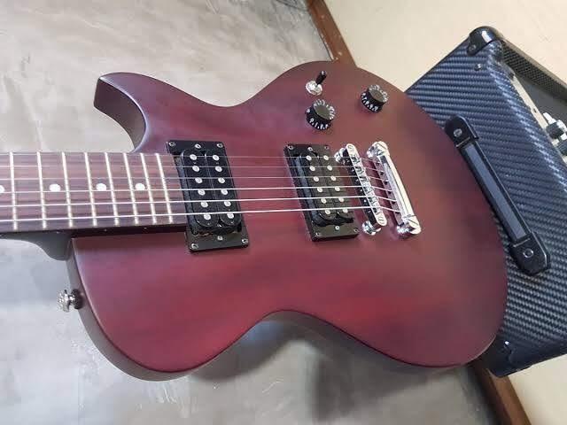 Guitarra Ibanez art 120