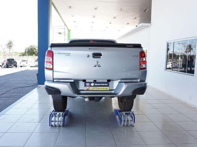 Mitsubishi L200 Triton Sport 2.4 DID-H HPE 4WD (Aut) 17/18 - Foto 3