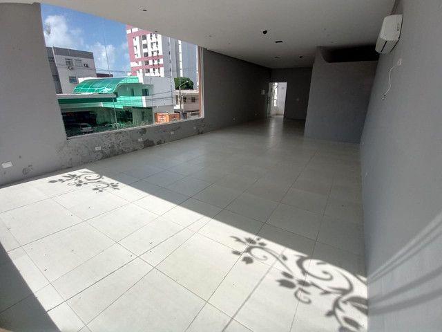 Sala comercial na galeria térrea de frente para  avenida. - Foto 13