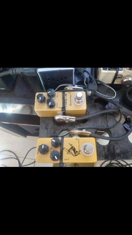 Vendo Guitarra + cubo + 2 pedais  - Foto 2