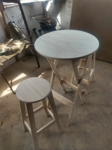Conjunto de mesa e banco americano pinho e cedro - Foto 2