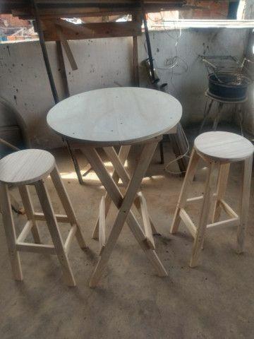 Conjunto de mesa e banco americano pinho e cedro - Foto 5