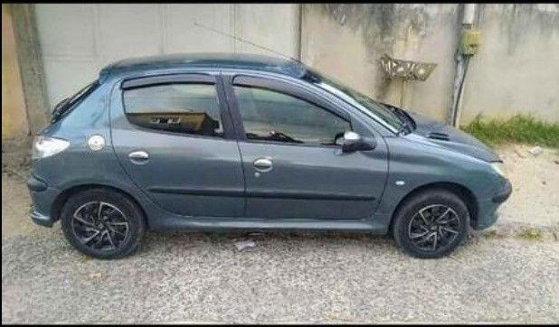 Carro Peugeot 206  - Foto 2