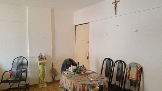 Apartamento 3 quartos, sendo 2 suítes - Pajuçara - Foto 11