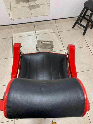 Vendo cadeira de barbeiro Ferrante anos 60. - Foto 5