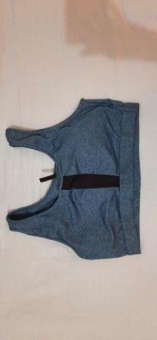 Sutiã, cinta modeladora e parte de cima de biquíni azul - Foto 3