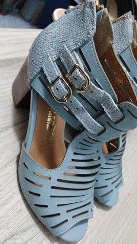 Lote de sapatos número 34 - Foto 5