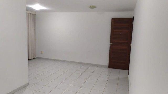 Apartamento com 03 quartos, piscina e varanda - Foto 5