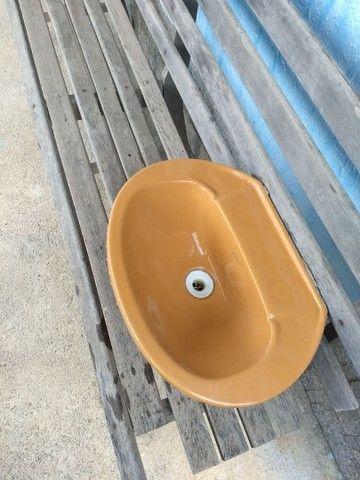 Pia lavatório Icasa cor caramelo excelente estado - Foto 2