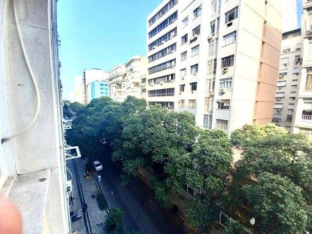 Posto 4 Bolivar junro a Pompeu Loureiro, andar alto salão 3 quartos dependencias, oportuni - Foto 19