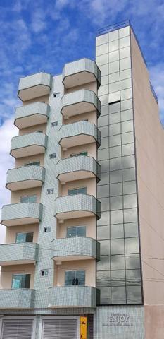 Apartamento 2 Qtos prédio c/ garagem, elevador e área de lazer