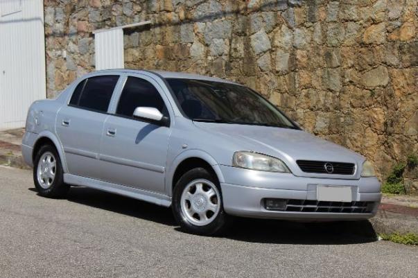 Gm - Chevrolet Astra Sedan 1.8 Milenium em ótimo estado