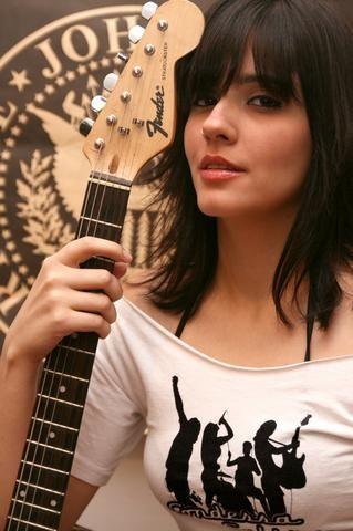 Aula de violão,guitarra,baixo,cavaco e Canto a domicilio - Foto 5