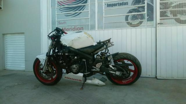 Moto Para Retirada De Peças / Sucata Honda CBR 600 Ano 2003 Sucata
