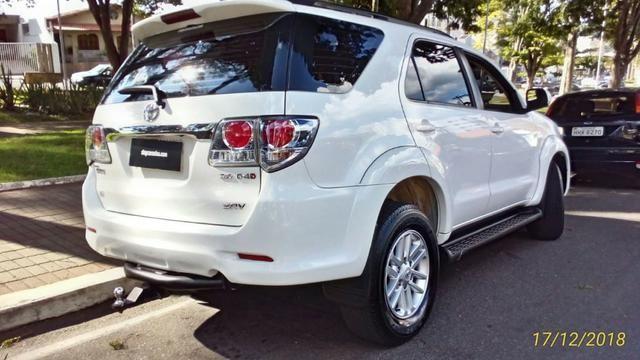 Toyota Hilux Sw4 3.0 4x4 Diesel 2013 -5 Lugares - Foto 14