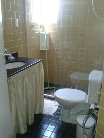 Vendo/Alugo quarto e sala, mobiliado no Itaigara Cod. 100 - Foto 2