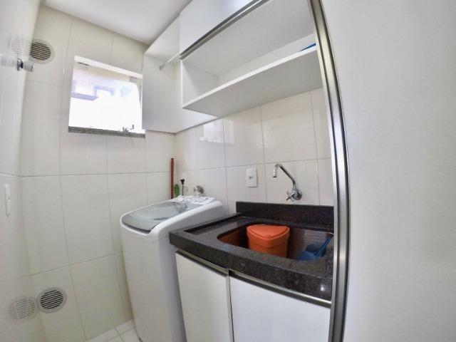 Apartamento 03 Dormitórios mobiliado a poucos metros do mar - Foto 8
