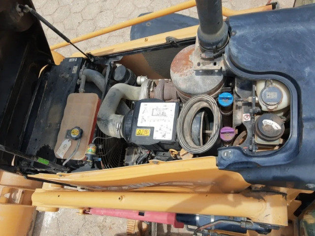 Retro escavadeira 416e - Foto 4