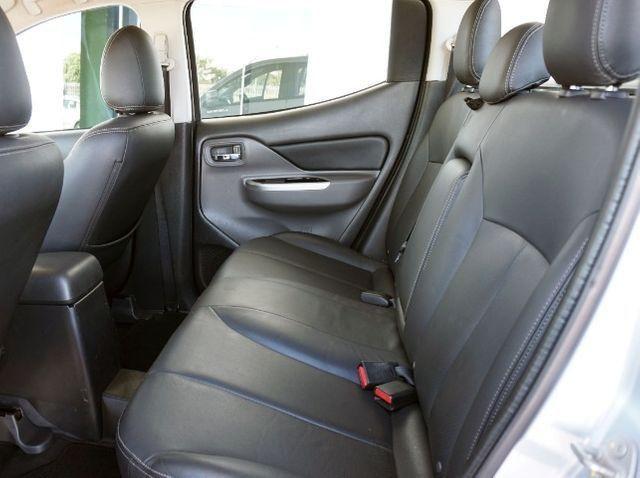 Mitsubishi L200 Triton Sport 2.4 DID-H HPE 4WD (Aut) 17/18 - Foto 9