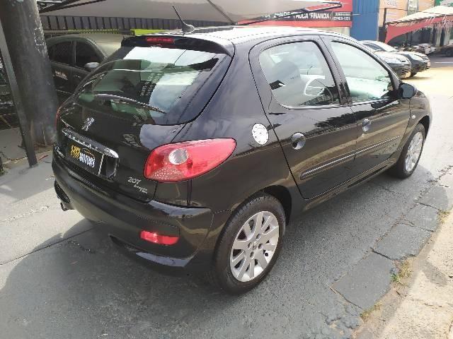 Peugeot 207 1.4 flex automático 2011 - Foto 4