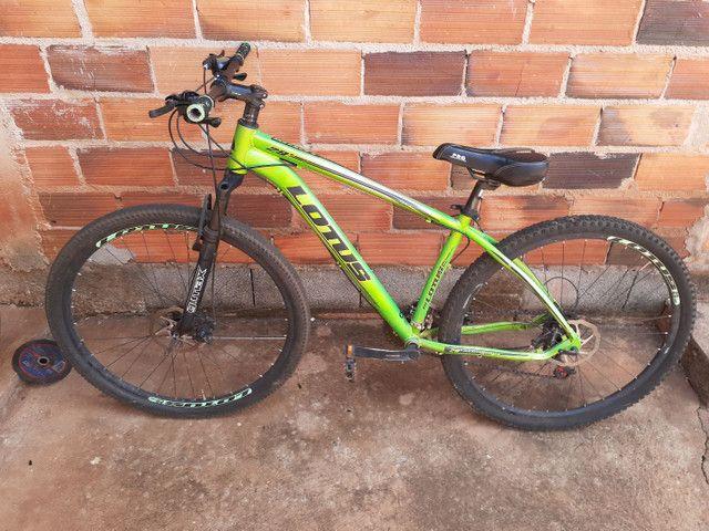Vende-se uma bicicleta aro 29 de trilha.  - Foto 3