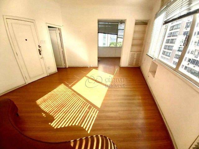 Posto 4 Bolivar junro a Pompeu Loureiro, andar alto salão 3 quartos dependencias, oportuni - Foto 4