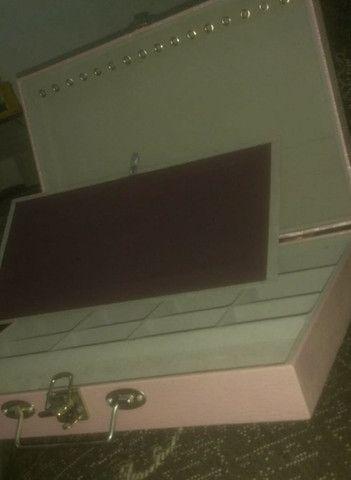 Vendo uma mesa de vidro de centro e um porta joias - Foto 3