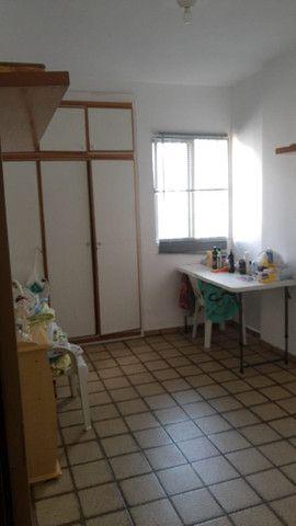 Apartamento 3 quartos, sendo 2 suítes - Pajuçara - Foto 12