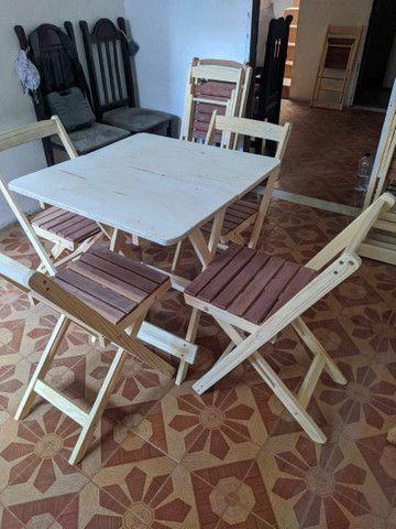 Conjunto de mesa e cadeiras pinho - Foto 3