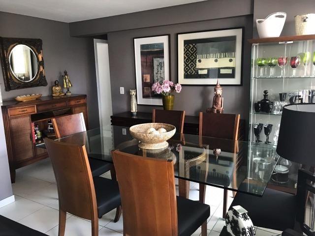 Apartamento no Tirol- 103m, Ed. Park View, 3 quartos com suíte- todo planejado- 2 vagas