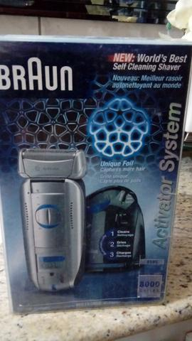 Barbeador Braun Activator system Plus Clean e Charge