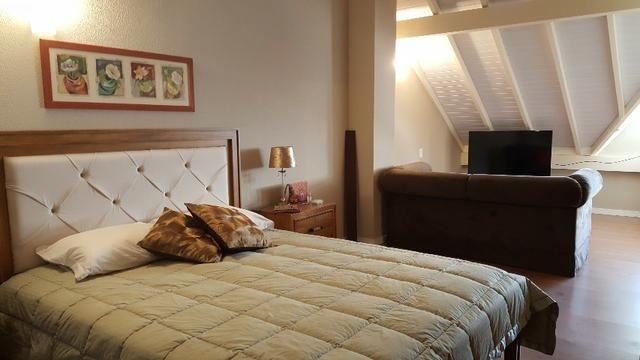 Casa em condomínio c/3 dormitórios no centro de Canela