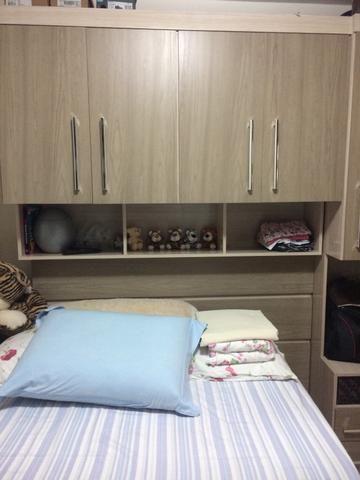 a8895b7431 Guarda roupas + cama box com colchão - Móveis - Itaquera