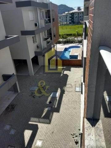 MS5&1-Apto mobiliado em prédio com piscina a 1km da praia dos Ingleses