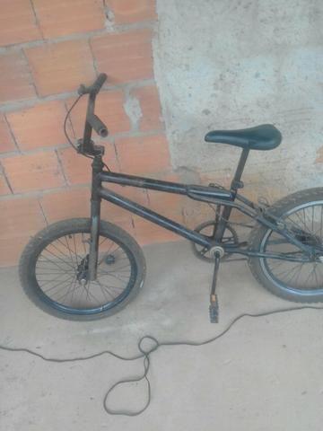 Peças de bicicleta ou a bicicleta